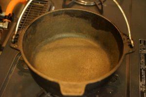 ダッチオーブン シーズニング 赤錆 の写真です。