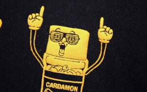 キャンプの際他の人とかぶらないTシャツを紹介した写真です。